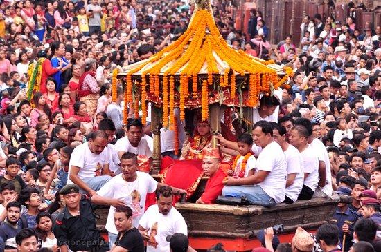 NEPAL: Gai Jatra e Indra Jatra Festivals